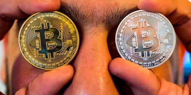 Harga Bitcoin jatuh 50% dari puncaknya dan Mark Cuban menyebut kehancuran crypto sebagai 'relaksasi besar'