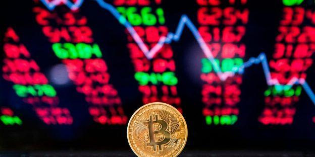 Harga Ethereum pingsan setelah rekor puncak, momentum bitcoin melemah karena pasar crypto menghadapi kemerosotan Senin malam