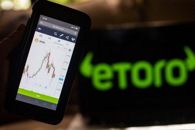 GameStop dan crypto drive bumper quarter untuk broker online eToro