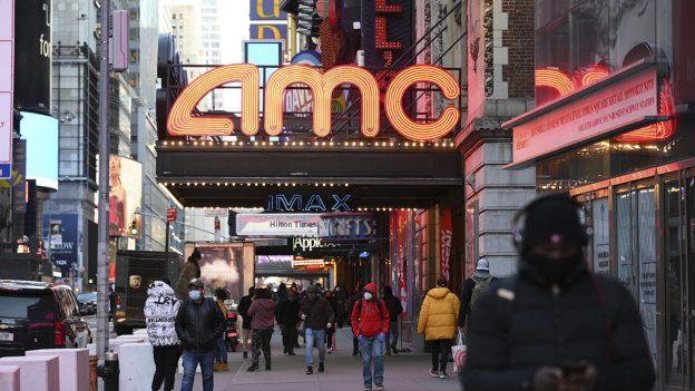 Berita Crypto: AMC akan segera membiarkan penonton bioskop membayar tiket dalam bitcoin