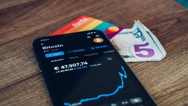 Membayar dengan Bitcoin: Ini adalah perusahaan besar yang menerima kripto sebagai pembayaran