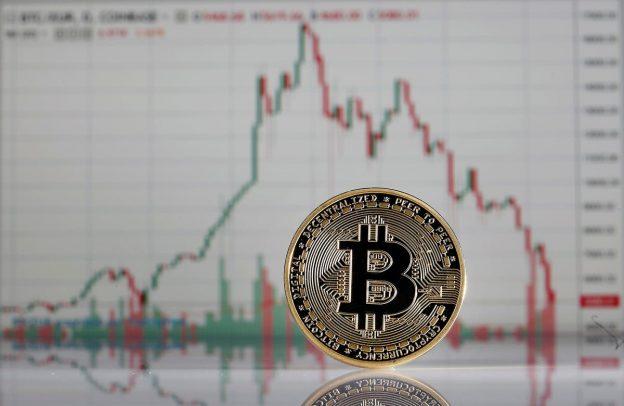 Peringatan 'Collapse' Bitcoin yang Serius Dikeluarkan Setelah Penurunan Harga Crypto senilai $300 Miliar Mengirim Ethereum, Cardano, BNB, Solana, XRP, dan Dogecoin Turun tajam